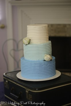 Combed cake with three colors