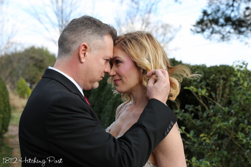 This image has an empty alt attribute; its file name is MandyMarkWedding-16-800x534.jpg