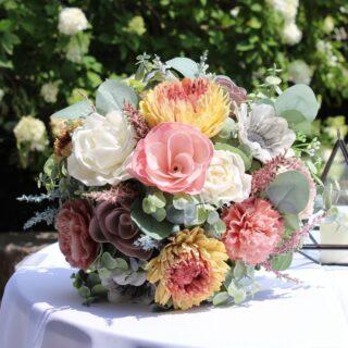 Beautiful bouquet  #weddingpackages #syracuseweddingflorist #rochesterweddingflorist #buffaloweddingflorist #centralnyflorist #1824_farmhouse_creations #solawoodflowers #2021wedding #covidwedding #syracuseweddingflowers #syracusesolawoodflowers #buffaloweddingflowers #rochesterestweddingflowers #centralnyweddingflowers #centralnyweddingflorist #fingerlankesweddingflowers #fingerlakesweddings #fingerlakesweddingflorist #turningstoneweddingflowers #dibblesweddingflowers #arlingtonarborweddingflowers #lakeshore1860 #1824fhc