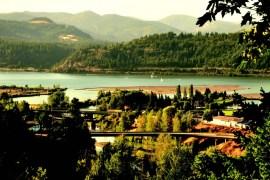 2010-Autumn-Oregon-Travel-Small-Town-Columbia-Gorge-Hood-River