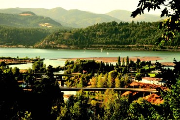 2010-Autumn-Oregon-Travel-Small-Town-Columbia-Gorge-Hood-River