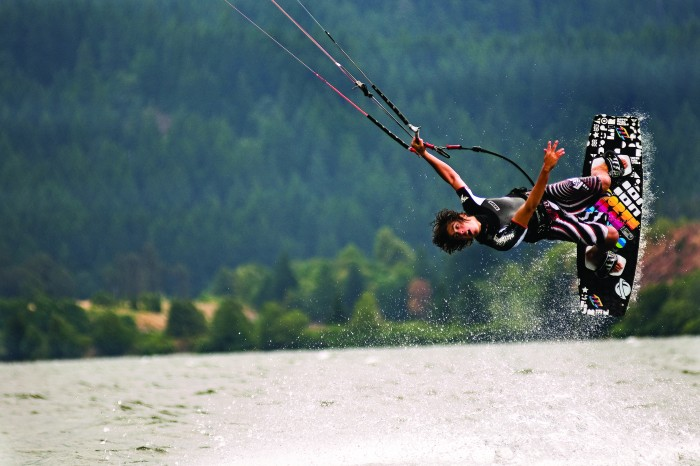 2011-Autumn-Oregon-Travel-Columbia-River-Gorge-windsurfer