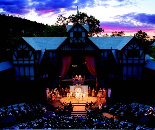 2011-Summer-Southern-Oregon-Travel-Ideas-Theater-Ashland-outdoor-Elizabethan-stage