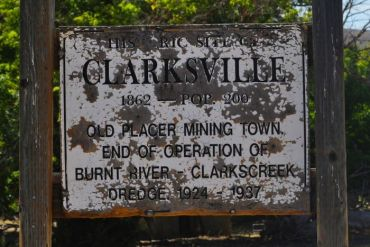 2012-november-december-1859-magazine-eastern-oregon-from-where-i-stand-baker-county-clarksville-city-sign