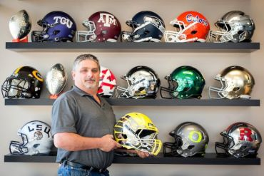 2012-november-december-willamette-valley-oregon-newburg-hydro-graphics-football-helmets-chris-thom-helmets