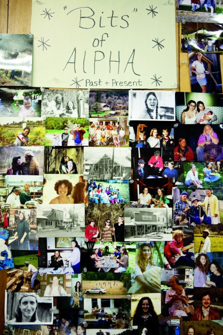 2010-summer-oregon-culture-history-hippie-oregon-alpha-farm-photo-wall