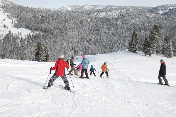 1859_Nov_Dec_2014_Outdoor_Skiareas_7