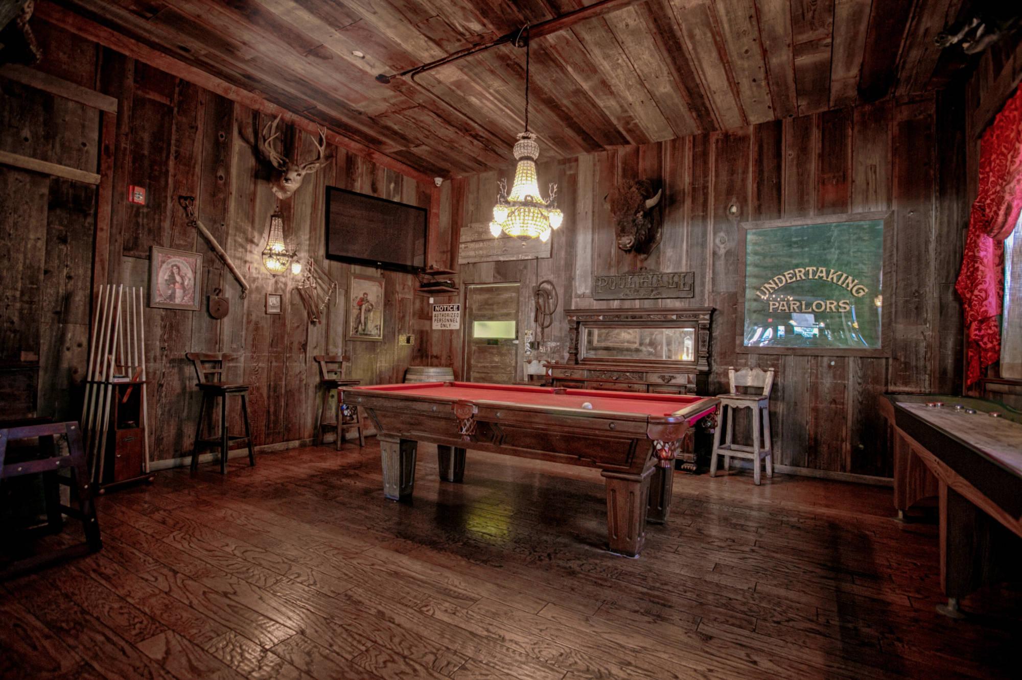 Interior 1880 Union Hotel