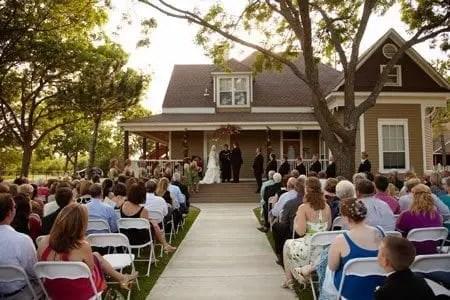 About  Farmhouse Wedding Event Venue