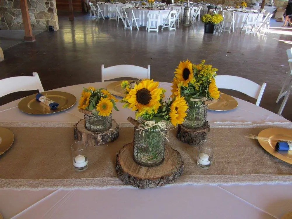 Country and rustic outdoor wedding decoration ideas for Patio table centerpiece ideas