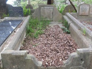 Charles Chapman's grave - before photo