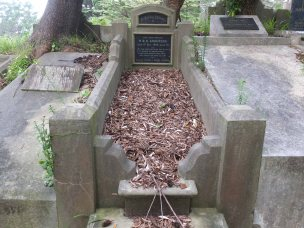 Hannah Anderson's grave - before photo