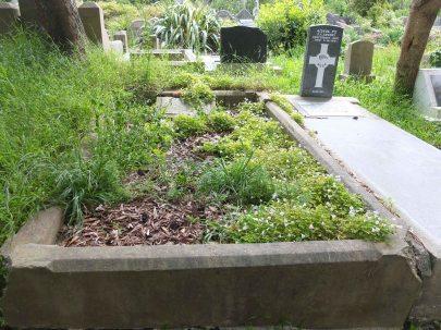 Clara Rittner's grave - before photo