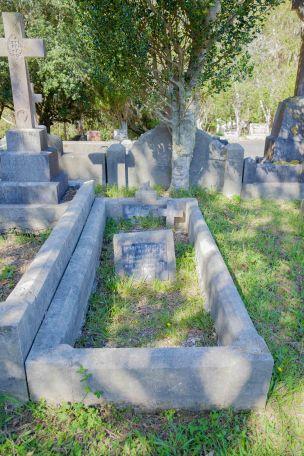 Thomas Rooney's grave - before photo