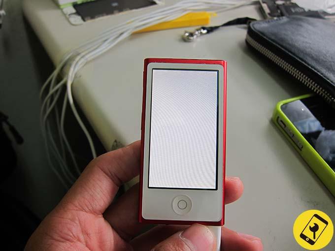 iPod nano 7 螢幕白屏 顯示異常