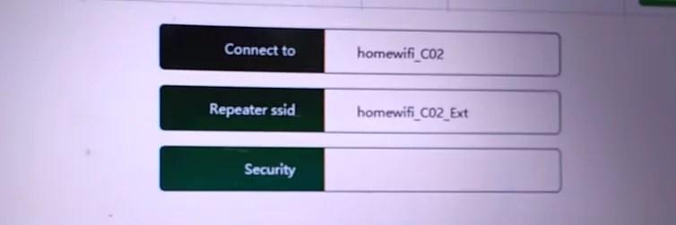 Imagem mostra os campos onde se definirão o Nome da Rede do Repetidor e o campo para inserção da senha do wifi