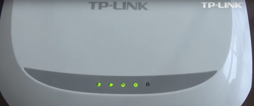 Imagem mostra os leds acesos do roteador Tp-Link