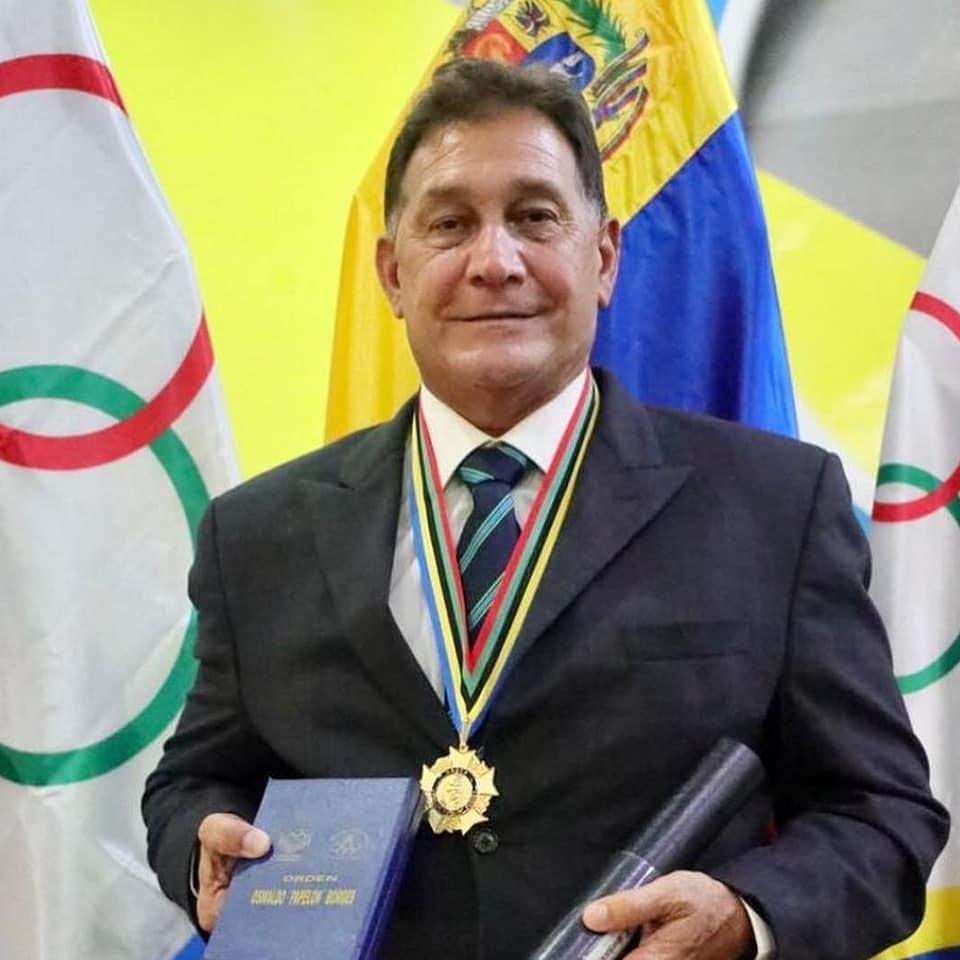 """Glen Sochasky recibe la Orden Oswaldo """"Papelón"""" Borges por parte del Comité Olímpico Venezolano"""