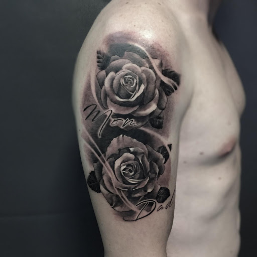 Black rose tattoo – the real meanings and ideas