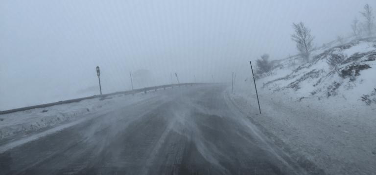 Over Hemsedalfjellet i dårlig vær