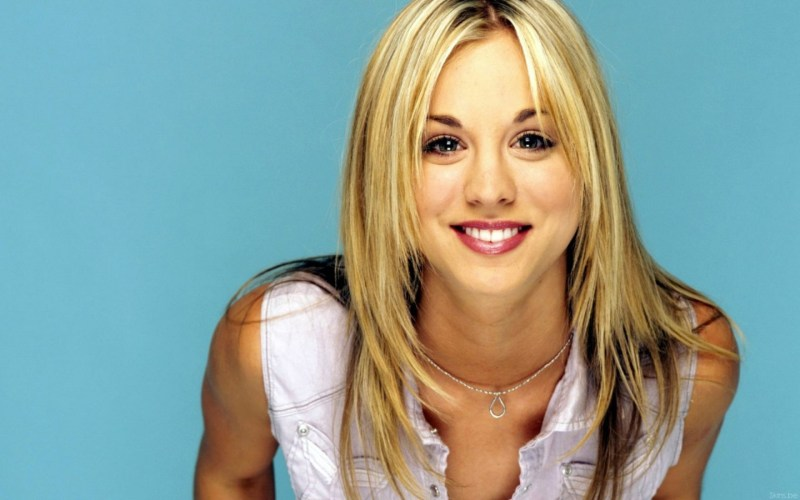 Kaley-Cuoco-hot-sexy-15