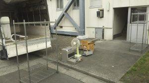 不用品回収、エアコン取り外し作業