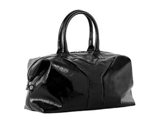 e9af0c7b0 Today is the Easy YSL day. As you can see, it´s a basic bag. What I like  the most is the shape, it reminds me a tote bag, but still being glamourous.