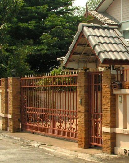 Решетчатые откатные металлические ворота