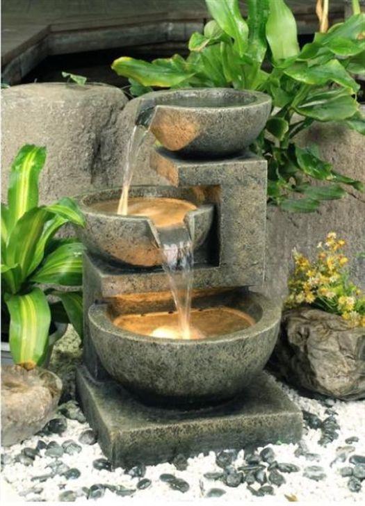 Фонтан из каменных чаш