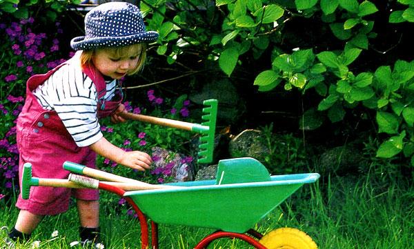 Юная огородница 9