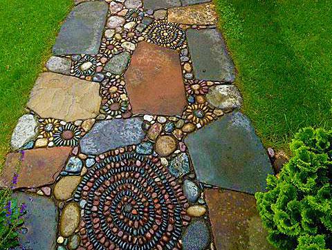 Смешанная дорожка из гальки и камня