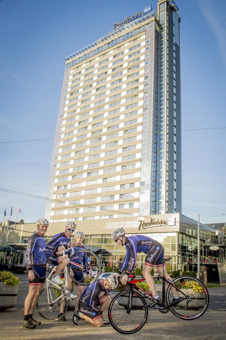 DSC5453 Radisson Blu Hotel Latvija riteņbraucēju komanda