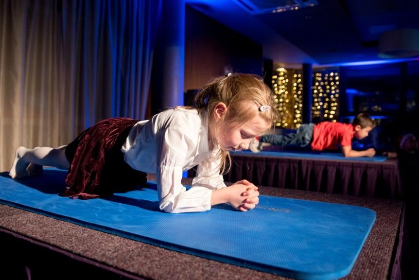 KV1_3831 Planking sacensības Radisson Blu Hotel Latvija