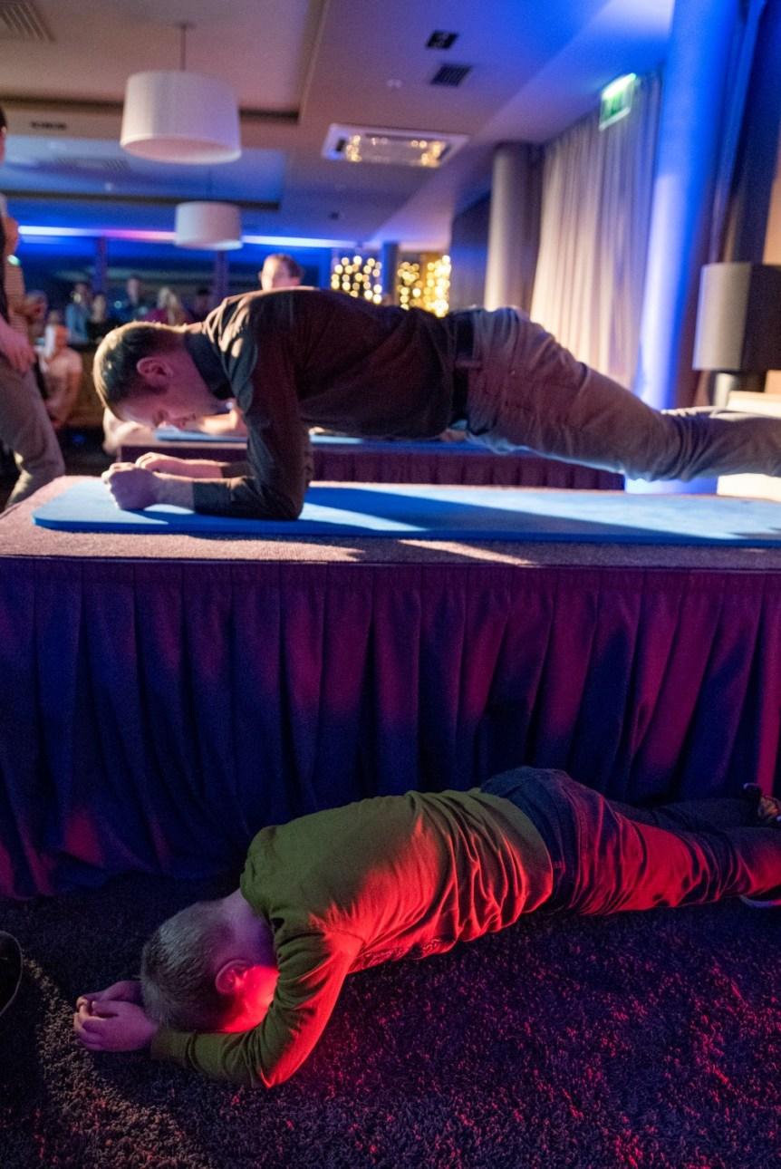 KV1_3983 Planking sacensības Radisson Blu Hotel Latvija