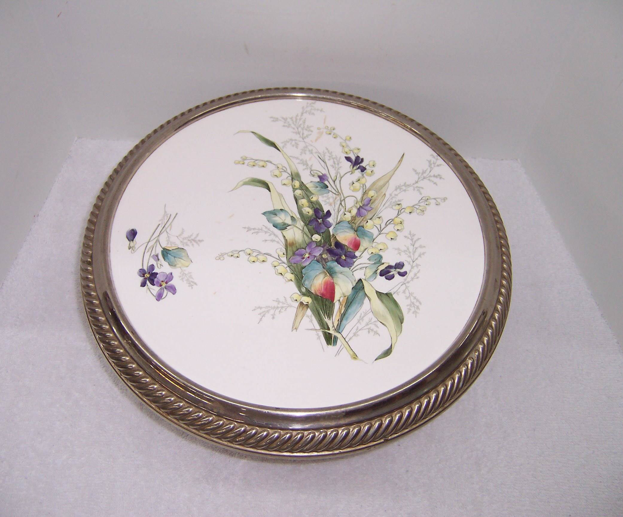 Triple A Resale Porcelain Top Pedestal Cake Plate