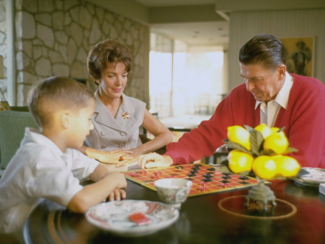 The Reagans playing checkers with son Ron. (Bill Ray)