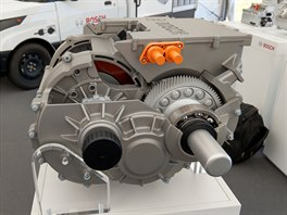 Motorogenerátor s integrovanou elektronikou a převodovkou od společnosti Bosch
