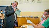 The chairman of the KSČM, Vojtěch Filip, elects in the regional elections at the České Budějovice primary school and ...