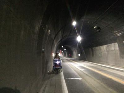 津奈木トンネル内02