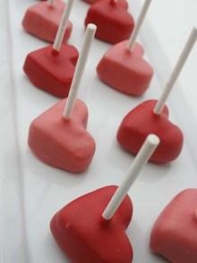 impressionner-moitie-valentin-gateaux-sucettes-forme-p460