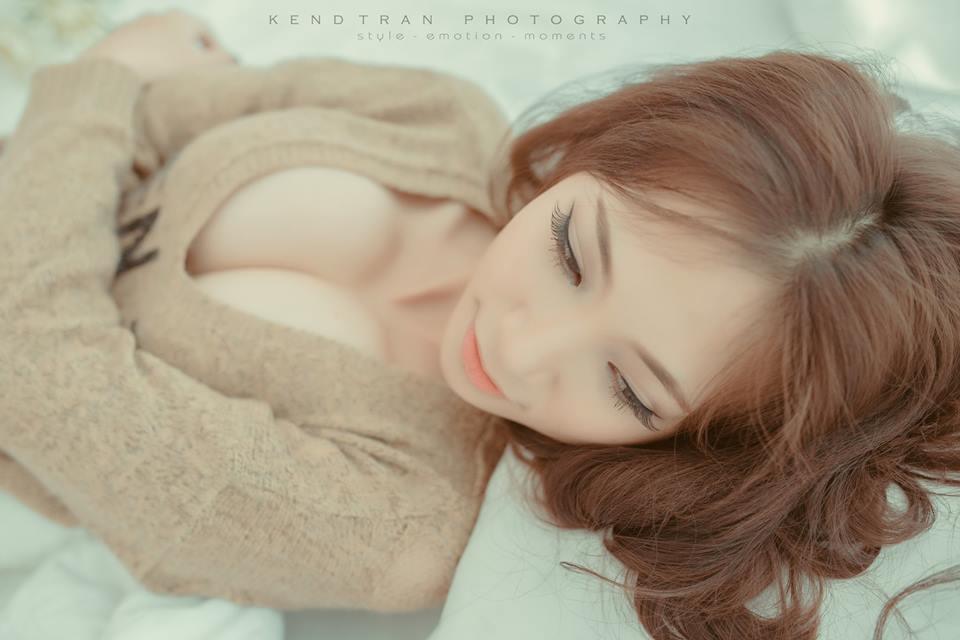 Elly Phạm gợi cảm với bộ ảnh indoor nhẹ nhàng của Kend Trần