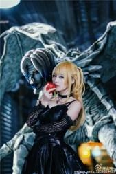 Cosplay Misa gợi cảm trong truyện Death Note