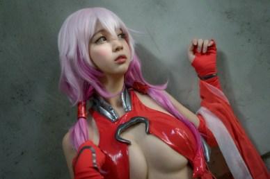 cosplay-inori-yuzuriha-thieu-nu-goi-cam-khong-roi-mat-7