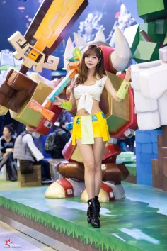 seo-jin-ah-showgirl-kiem-nu-streamer-goi-cam-den-tu-han-quoc 16