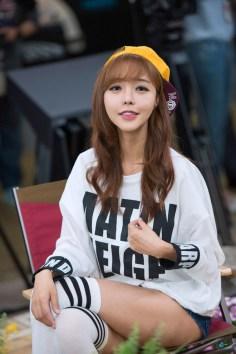 seo-jin-ah-showgirl-kiem-nu-streamer-goi-cam-den-tu-han-quoc 19