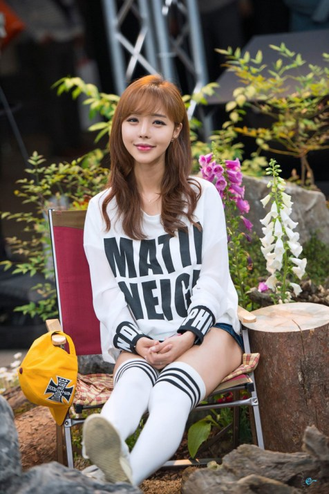 seo-jin-ah-showgirl-kiem-nu-streamer-goi-cam-den-tu-han-quoc 20