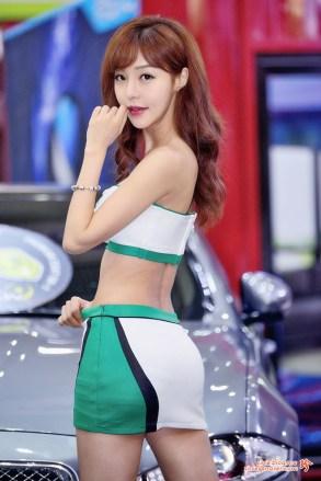 seo-jin-ah-showgirl-kiem-nu-streamer-goi-cam-den-tu-han-quoc 22