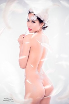 thien-than-pong-kyubi-goi-cam-voi-bo-anh-white-angel-cua-max-nguyen (3)