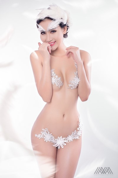 thien-than-pong-kyubi-goi-cam-voi-bo-anh-white-angel-cua-max-nguyen (5)