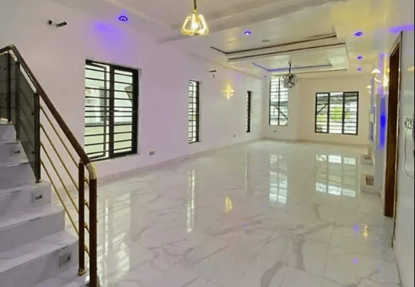 House in Nigeria for sale   Luxuriously Built 5 Bedroom Duplex With Swimming Pool